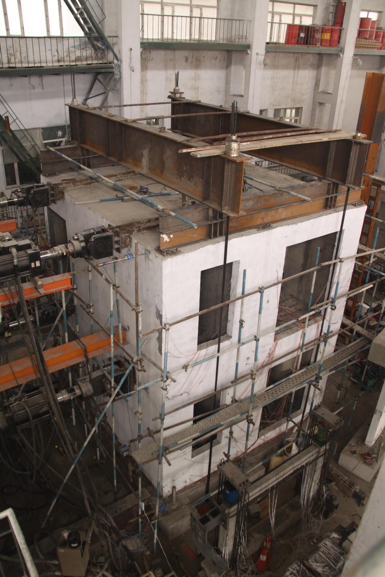预制装配式剪力墙盒子结构足尺模型拟动力子结构试验
